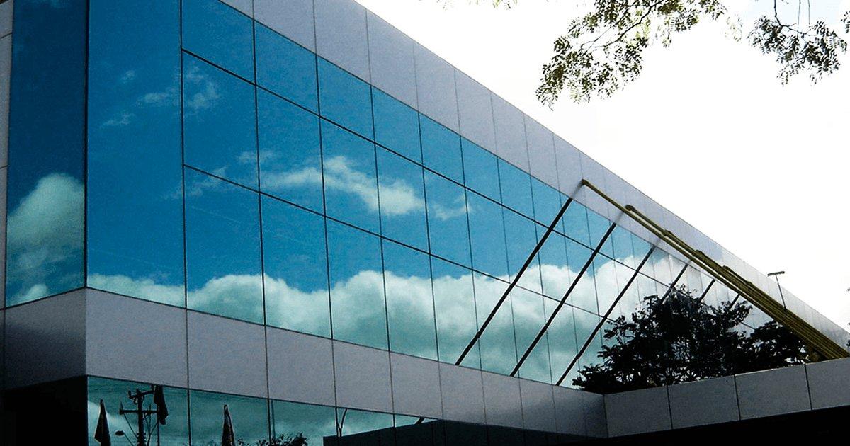 Resultado de imagem para imagens de fachada de vidros